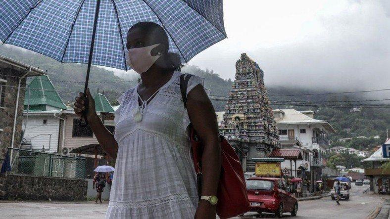 Dünyanın En Çok Aşılanan Ülkesi Seyşeller'de COVID-19 Vakaları Neden Patlama Yaptı?
