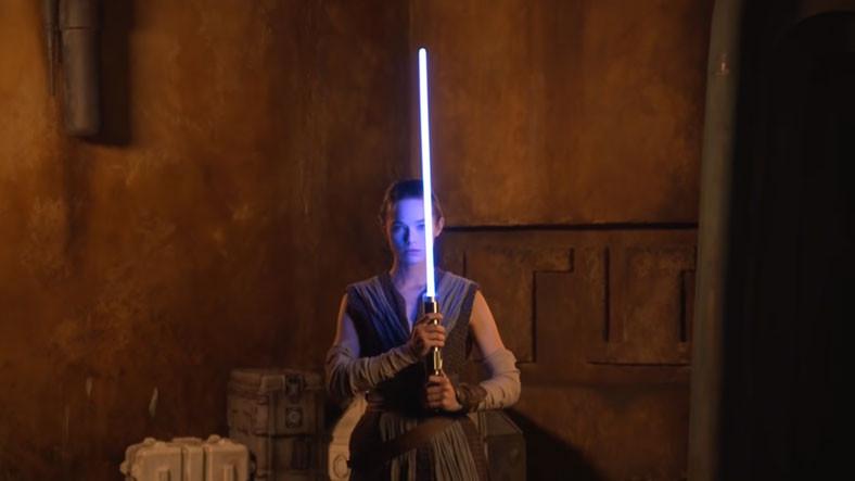 Star Wars Günü Sürprizi: Disney, Filmlerdeki Gibi Açılıp Kapanan 'Gerçek' Işın Kılıcını Gösterdi