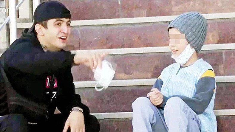 Türkiye'deki Dilencilik Videosu Kurgu Çıkan YouTuber Hakkında Yakalama Kararı Çıkartıldı