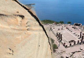 Assos'ta Yürütülen Kazılarda Bir Bebeğin 1300 Yıllık Ayak İzleri Bulundu