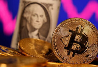 Bloomberg Stratejisti: Bitcoin 100 Bin Dolara Ulaşıp Dolar ve Euroyla Aynı Ligde Oynayacak