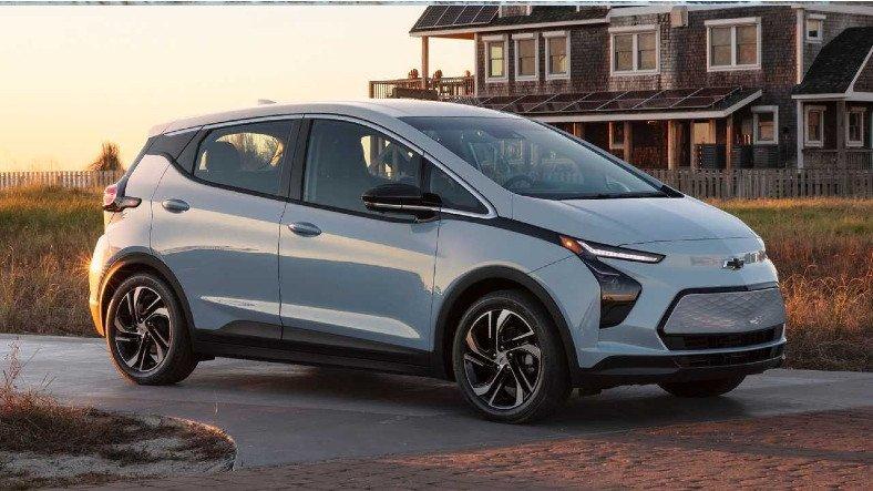 General Motors'tan Bolt Kullanıcılarına Şaka Gibi Tavsiye: Araçlarınızı Diğer Araçlardan En Az 15 Metre Uzağa Park Edin