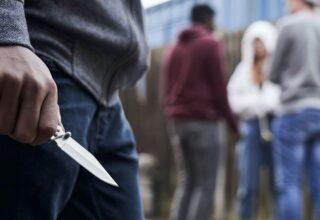 İngiltere'de Bir Öğrenci, 93 Bin Dolar Değerindeki Bitcoin'i İçin Bıçaklı Saldırıya Uğradı