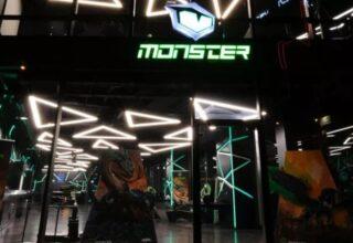 Monster Notebook İzmir'de Mağaza Açıyor: Açılışa Katılacak İsimler Belli Oldu